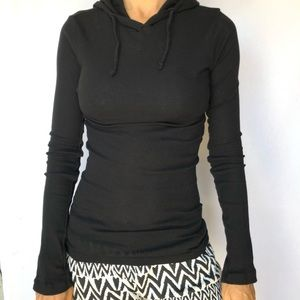 James Perse Ribbed Fitted Ling Sleeves Top 3
